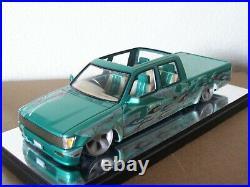 Aoshima Toyota Hilux Custom Lowrider Double Cab Pro Built Pick Up Truck