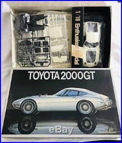 Fujimi 1/16 TOYOTA 2000GT model Kit