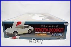 Fujimi Toyota 2000GT Enthusiast 1/16 Scale Car Plastic Model Kit Display PM255