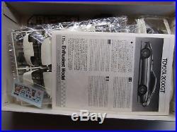 Fujimi Vintage 1/16 Scale Toyota 2000GT Model Kit Super Rare New Kit # 10128