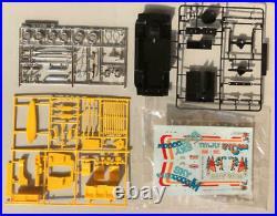 Gunze Sangyo 1/24 Toyota Hiace Sky Plastic Model Unassembled